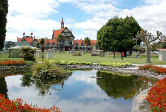 Rotorua Una Ciudad Llena de Gases y Aventura