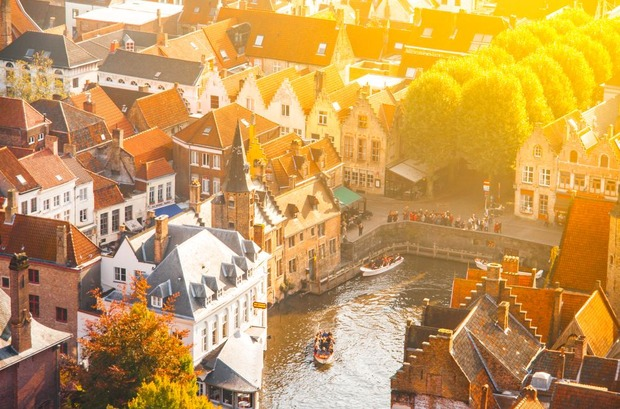 Que Ver En Brujas, La Medieval Ciudad De Bélgica, Recorrido en Navío