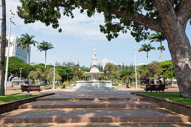 Viajando A Numea Capital De Nueva Caledonia, La Place des Cocotiers
