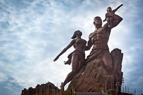 Hacemos una Visita a Dakar Descubre La Capital de Senegal, El monumento del Renacimiento Africano