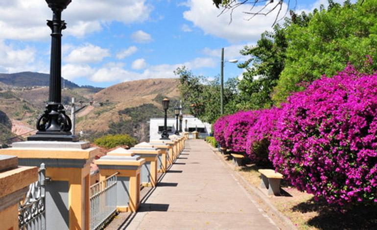 Como Es Vivir En Tegucigalpa, Gran Experiencia, Parque La Leona