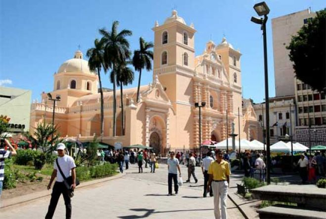 Como Es Vivir En Tegucigalpa, Gran Experiencia, Plaza Morazan