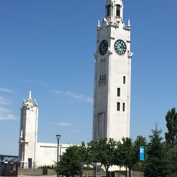 La Torre del Reloj Canadá