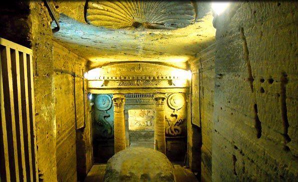 Catacumbas de Kom ash-Suqqafa, Alejandría